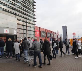 Duże sklepy w Łodzi znowu otwarte! Tłumy łodzian ruszyły na zakupy! ZDJĘCIA