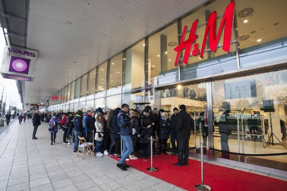 H&M,- 50 %
