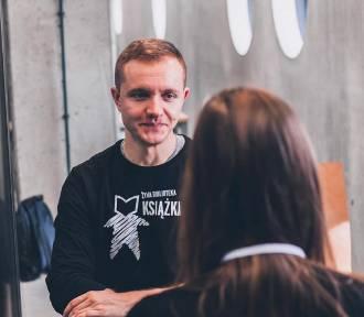 Żywa Biblioteka we Wrocławiu. Porozmawiasz z gejem i uchodźcą