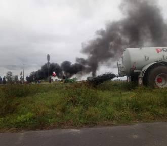 Wjazd do Sieradza zablokowany. Rozpoczął się kontrowersyjny protest rolników