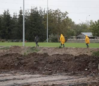 """Stadion przy ul. Bandurskiego w Szczecinie. Inwestycja załapała """"zadyszkę"""""""