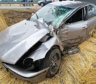 """Wypadek BMW na krajowej """"piątce"""" w okolicach Głuchowa  ZDJĘCIA"""
