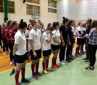 Piłkarki AKP Jastrząb Malbork najlepsze w Tucholi w rywalizacji ośmiu drużyn z trzech województw