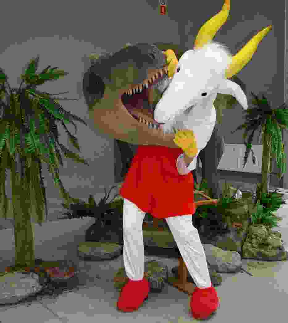 Koziołek Matołek w pojedynku z groźnym dinozaurem