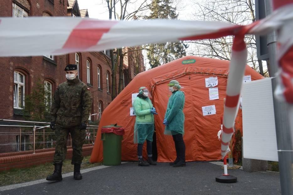 Jak czują się pacjenci oddziału zakaźnego Szpitala Uniwersyteckiego w Zielonej Górze w poniedziałek, 20 kwietnia 2020 roku?