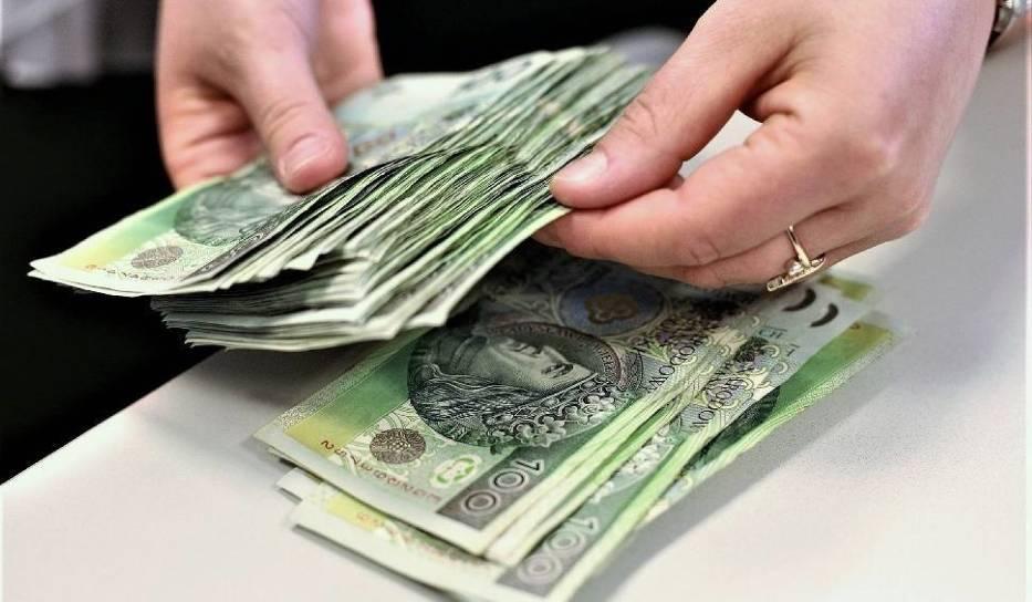 W którym mieście zarabia się najwięcej? GUS wyliczył średnie wynagrodzenie w powiatach