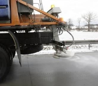 Ostrzeżenie. Po opadach mokrego śniegu będzie ślisko