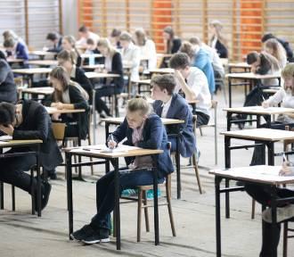 Egzamin gimnazjalny 2018. Jakie tematy i pytania pojawią się na części humanistycznej? [ARKUSZ,