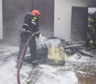 Palił się budynek gospodarczy. W akcji 3 zastępy straży