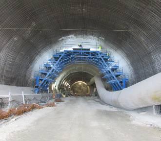 Trwa budowa tunelu zakopianki. Zobacz, jak powstaje [ZDJĘCIA]