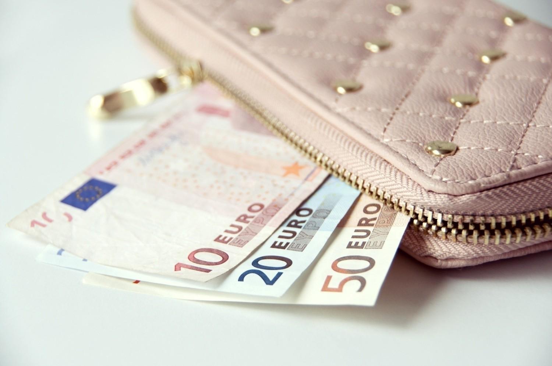 Czym jest luka płacowa?