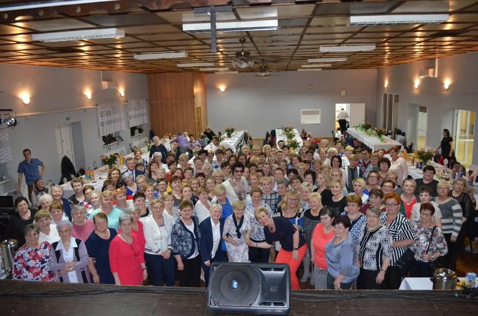 Ponad 160 pań wzięło udział w gminnym Dniu Kobiet w Śmiglu