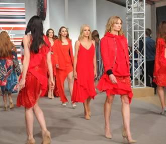 Pokaz Łukasza Jemioła na Fashion Squre przed Galerią Krakowską[ZDJĘCIA]