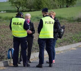Policja zatrzymała pielgrzymkę do Częstochowy. Pątnicy złamali zakaz gromadzenia się [ZDJĘCIA],
