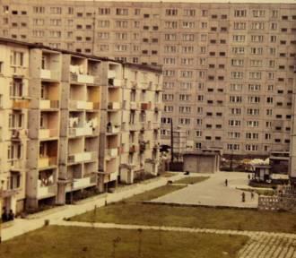 Stargard 1980. Ogródek letni w amfiteatrze, budynek MO, osiedle XXX-lecia PRL. Zobacz archiwalne