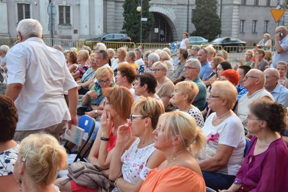 Święto Rzeki Prosny w Kaliszu. Kaliszanie wysłuchali piosenek z repertuaru Whitney Houston i Edith Piaf