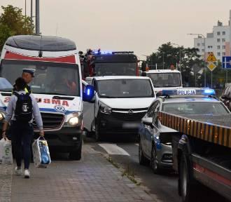 Kraksa na Warszawskiej. Zderzyły się trzy samochody [WIDEO, zdjęcia]