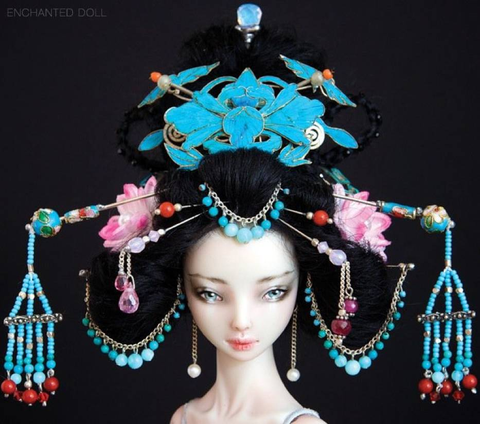 Enchanted dolls: Ten lalki pozują niczym prawdziwe modelki! Zobacz kontrowersyjną galerię