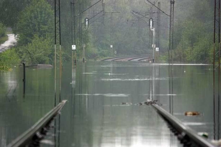 Katowice Ligota, zalane torowisko między stacjami Katowice Brynów, a Katowice Ligota