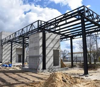 Budowa dworca PKP idzie pomyślnie. Widać postępy!
