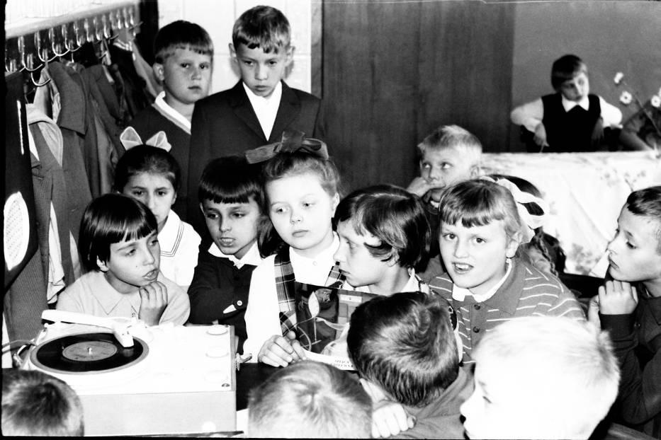 Zabawa w Szkole Podstawowej nr 1 ponad pół wieku temu