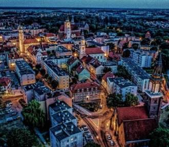 Burmistrz Jan Bronś zachęca do głosowania na Oleśnicę