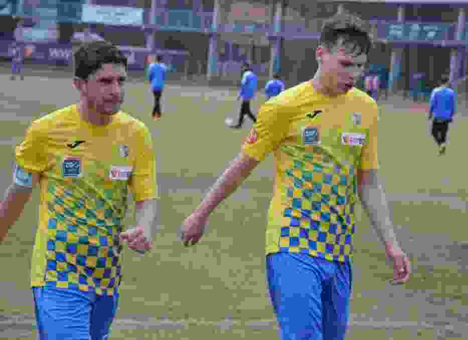 Marcin Nowacki (z lewej) swoją bogatą karierę zaczynał w lidze międzywojewódzkiej juniorów