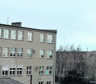 Fundusze Europejskie: Wykonawca na szkołę już jest, na urząd dopiero w kwietniu