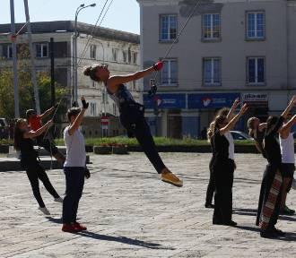 LineAct na Starym Rynku w Łodzi [ZDJĘCIA, FILM]