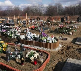 Coraz więcej grobów na cmentarzach w Tarnowie. Efekt pandemii?
