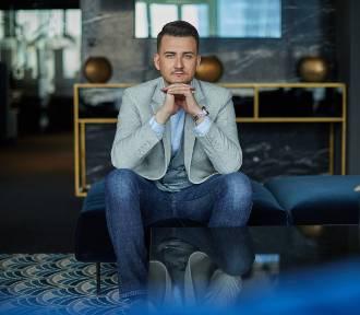 Bartłomiej Misiewicz: Czasem patrzę na swoje życie, jak na filmowy scenariusz