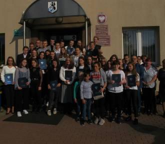 Stypendia motywacyjne wójta gminy Przodkowo trafiły do uczniów