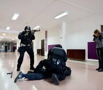 Atak terrorystyczny na szkołę w Polkowicach