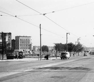 Wrocławski plac Grunwaldzki. Zobacz, jak się zmienił (DUŻO ZDJĘĆ)
