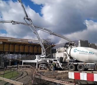 Ruszyło betonowanie estakady nad ul. Wrocławską w Opolu