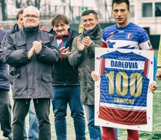 """Darłovia Darłowo: Uhonorowali Wiktora Sawickiego za """"100"""""""