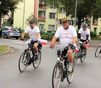 Rajd rowerowy 100 km na 100-lecie Niepodległej Polski - wystartował [ZDJĘCIA]