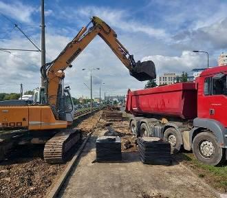 Budowa nowych mostów nad Brdą. Trwa rozbiórka nawierzchni na Fordońskiej [zdjęcia]