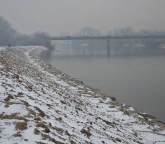 Ostrów. Brzeg Dunajca został wzmocniony