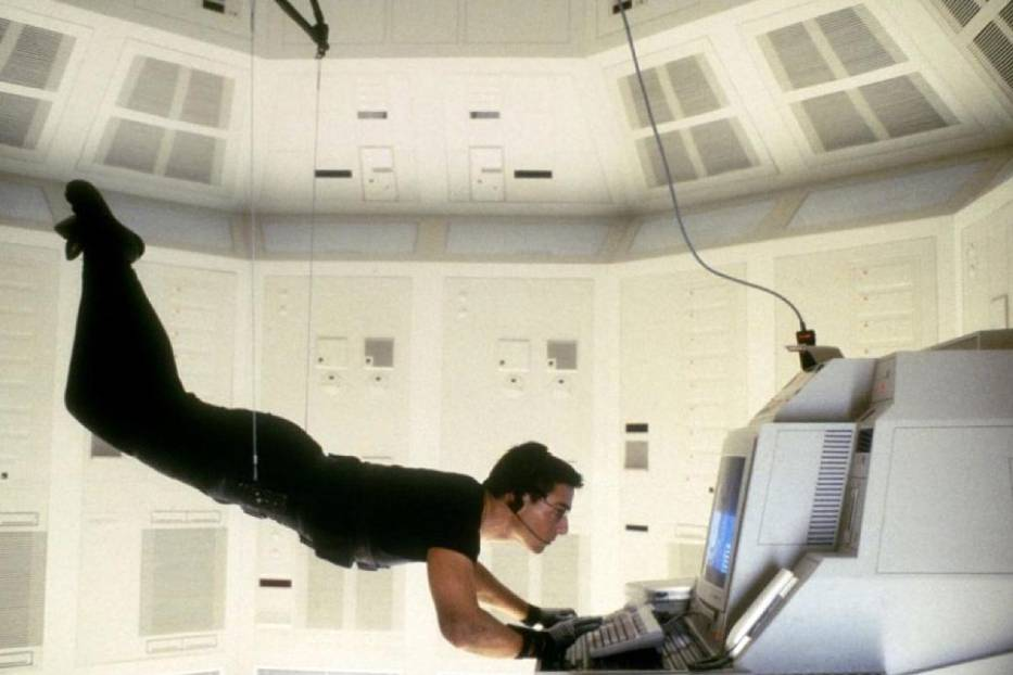 "Tom Cruise w ""Mission Impossible"""