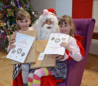 Ostroróg. Dzieci spotkały się ze Świętym Mikołajem! [ZDJĘCIA]