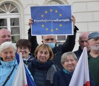 """W Śremie demonstracje pod hasłem """"Ja zostaję w Unii Europejskiej"""""""