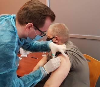 Duże różnice w tempie szczepień. Najwięcej w Opolu, najmniej w Radłowie