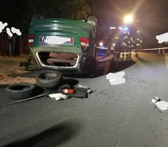 Powiat bełchatowski: Samochód uderzył w most, dwie osoby zostały ranne