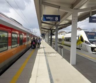 Szamotuły. Prace na linii kolejowej Poznań - Wronki postępują. Kiedy finał?