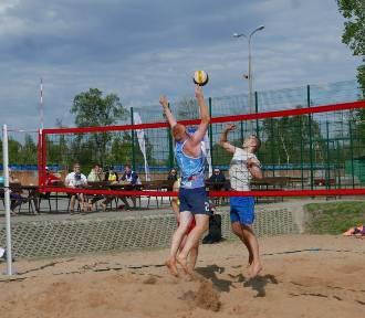 Pierwszomajowy turniej siatkówki plażowej w Żninie z frekwencyjnym rekordem [zdjęcia]
