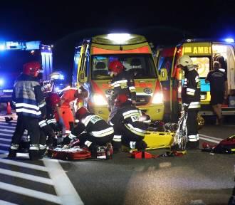 BMW zderzyło się ze skuterem na drodze Opole-Kluczbork