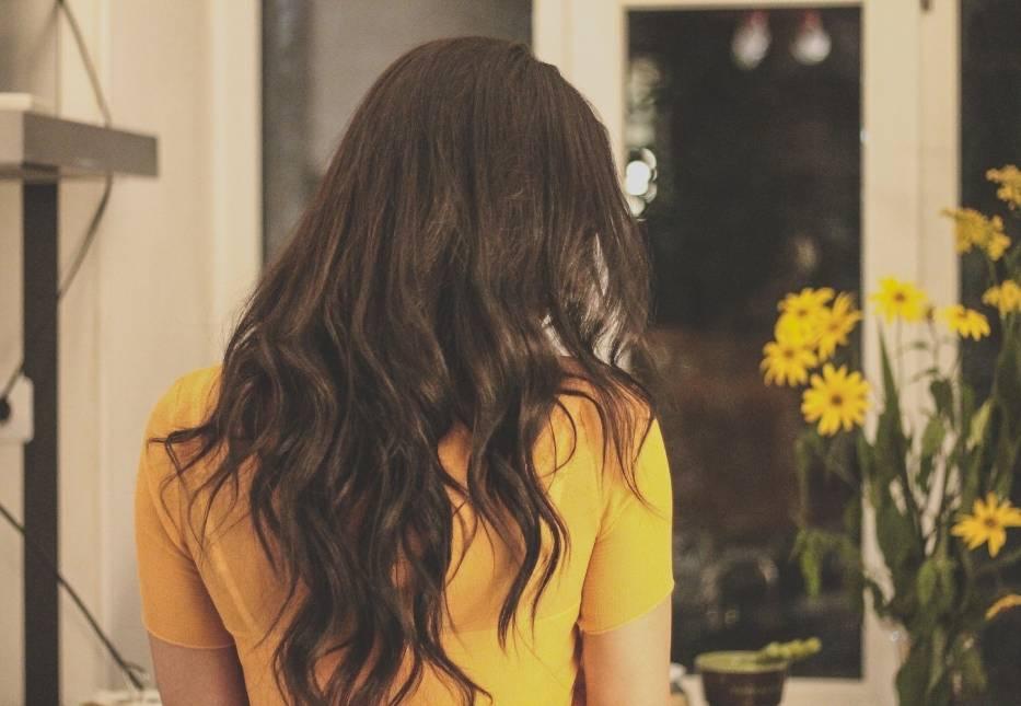 Przedstawiamy propozycje fryzur dla kręconych włosów!