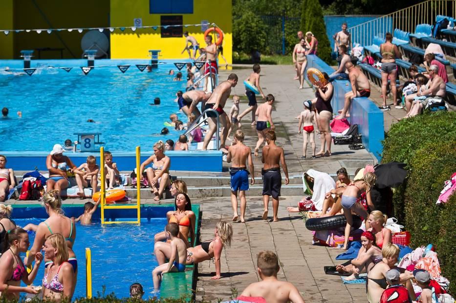 Tak wyglądał stary basen Astoria w Bydgoszczy. Tłumy szukały tu w lecie ochłody [zdjęcia]