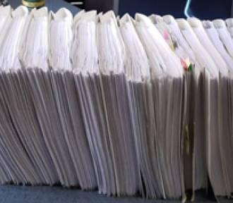 Kobieta zaciągnęła pożyczki na 150 osób. Postawiono jej 416 zarzutów